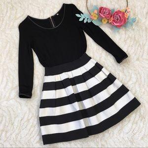 Black & white stripes long sleeve dress